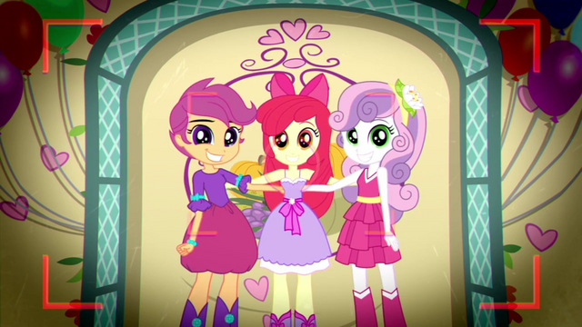 File:Cutie Mark Crusaders posing for a photo SS2.png