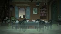 Fluttershy's spooky tea party S5E21