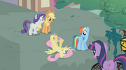 Fluttershy faints S01E07