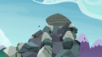 Giant boulder starts falling S4E18