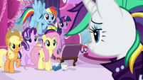 Rarity's friends impressed by her new look S7E19