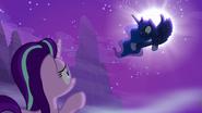 S06E25 Księżniczka ostrzega Starlight by uważała komu ufa