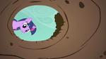 Twilight Sparkle look down hole S01E19