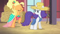 Applejack imitating Rarity S4E13