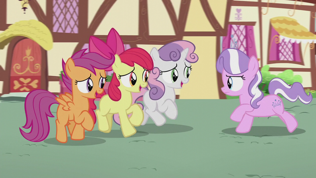File:CMC sing to Diamond while galloping backward S5E18.png