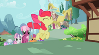 Cheerilee and her students follow Apple Bloom into Ponyville S2E6