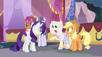 """Lily Lace """"she literally did it all by herself"""" S7E9"""