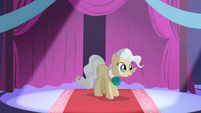 Mayor Mare introducing Princess Celestia S1E01