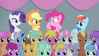 Pinkie Pie in scrunchy-faced suspense S4E24