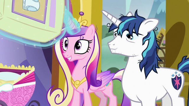 File:Princess Cadance levitating diapers S7E3.png