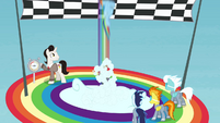 Rainbow crosses the finish line S4E10