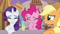 Rarity, Pinkie Pie, and Applejack cracking up S9E26