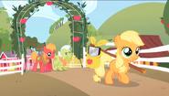 S01E23 Mała Applejack opuszcza rodzinną farmę