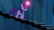 S03E02 Twilight schodzi po schodach