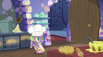 Spike notices Twilight and Fluttershy have left S7E20