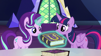 Starlight has her own copy of the friendship journal S7E14