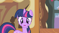 Twilight's cylindrical muzzle S1E25