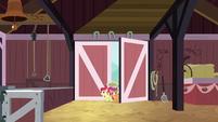 Cutie Mark Crusaders enter the barn S9E23