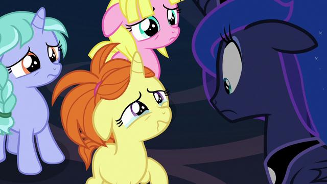 File:Dream Pony crying to Princess Luna S7E10.png