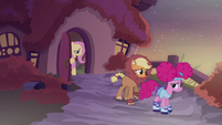 Fluttershy closes her door in shame S5E21