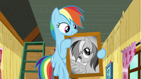 Rainbow with a picture of herself S8E20