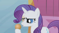 Rarity removes hairball from her eye S1E10