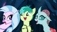 Silverstream, Sandbar, and Ocellus singing S9E3