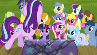 Starlight Glimmer addressing the crowd S8E19