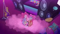 Sunset, Pinkie, and PostCrush rise out of the stage EGSBP