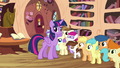 Twilight looking puzzled at the CMC S4E15.png