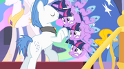 Twilight shaking S01E26