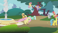 Fluttershy running through the town S1E7