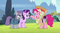 """Pinkie """"you two are becoming best friends"""" S7E4"""