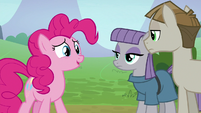 "Pinkie Pie ""let's start over"" S8E3"