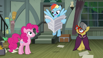 Rainbow Dash reading the newspaper out loud S7E18