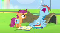 Rainbow Dash suddenly falls asleep S7E7