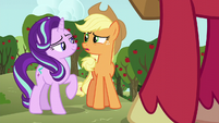 Starlight confident; Applejack worried S6E6
