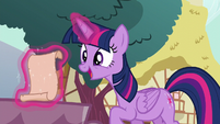 Twilight Sparkle in pleasant surprise S5E19