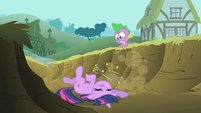 Twilight falls into a ditch S1E15