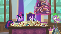 Twilight giving Starlight curriculum plans S8E15