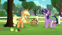 "Applejack ""wanted to get out of their element"" S6E22"