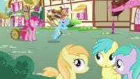 Fillies hear Rainbow Dash mention pies S7E23