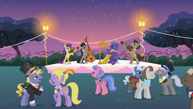 Datei:Musical ensemble Canterlot garden party S2E09.png