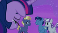 "Night Light ""making a whole bunch of cruise ponies happy"" S7E22.png"