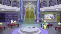 Past Twilight in the Canterlot Library S9E5