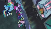 Power Ponies looking down at Mane-iac S4E06
