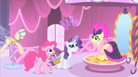 Rarity levitating feathers S1E20