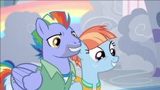 S07E07 Rodzice Rainbow Dash chcą pomóc Scootaloo