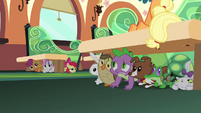 Spike, CMC, and the pets hiding S03E12