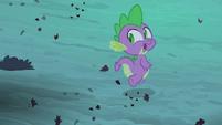 Spike running from Flutterbat S4E07